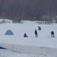ФСБ напоминает омским рыбакам и охотникам о необходимости разрешения на въезд в пограничную зону