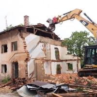 Прокуратура продолжает добиваться сноса аварийных домов в Омске