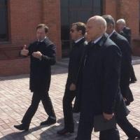 За час Дмитрию Медведеву показали Омскую крепость и Воскресенский собор
