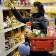 В Омске установились самые низкие цены на продукты в СФО