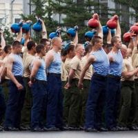 В омском 242-м учебном центре ВДВ идет строительство казарм