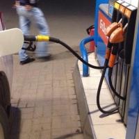 Омичи возмущены очередным увеличением цены на бензин