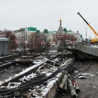Представитель мэрии провел журналистов по стройплощадке Юбилейного моста