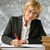 14 омских учителей получат по 320 тыс руб