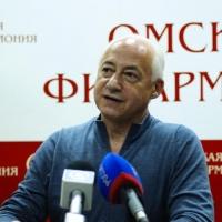 """Владимир Спиваков: """"В меня запустили трёхкилограммовой банкой с краской"""""""
