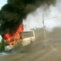 В Омске на дороге выгорел ПАЗ