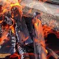 В Октябрьском округе пожарные спасли омича из горящей квартиры