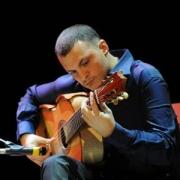 Звезда итальянской гитары Флавио Сала впервые исполнит мировые хиты в Омске