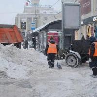 В дни снегопадов омские дорожники выходили на уборку автодорог и трасс более 950 раз