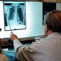 Четверых жителей Омской области заставят лечиться от туберкулеза по суду