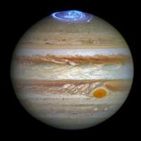 Астрономы нашли причину полярного сияния на Юпитере