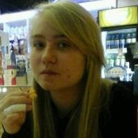 В Омске ушла из дома и не вернулась 15-летняя школьница