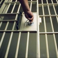 Одного из подозреваемых в убийстве омича на Красноярском тракте задержали