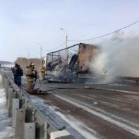 На трассе Омск – Новосибирск сгорела фура