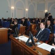 Парламентарии выслушают чиновников