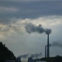 На севере Омска неприятный запах задержится до вторника