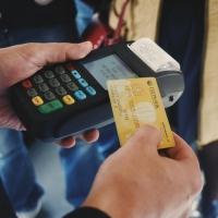 Омские пассажиры не смогут расплатиться банковскими карточками до 13 июля