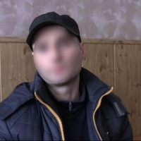 В Омске трое рецидивистов украли у пенсионера микроволновку и чайник