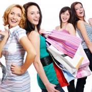 Почему выгодно покупать одежду в интернет-магазине?