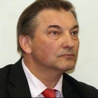 """Главного тренера """"Авангарда"""" призвали уважать российский хоккей"""