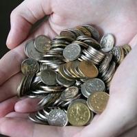 Более 60 процентов омичей отнесли к категории малоимущих