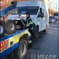 В Омске с утра остановили пьяного водителя маршрутки