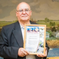 Пенсионера, спасшего из воды ребенка в омском парке, торжественно наградили