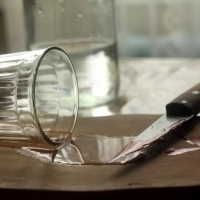 Омский пенсионер в пьяной драке зарезал сына-наркомана