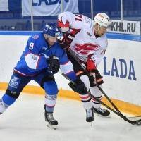Омский «Авангард» уступил «Ладе» в Тольятти