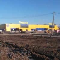 «Лента» в Омске продает территорию по соседству