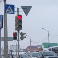 В Омске на перекрестке Герцена и 24-й Северной запустят светофор по двум режимам