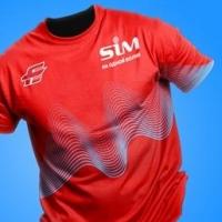 Участники SIM-2018 пробегут в Омске в футболках со звуковой волной