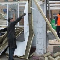 Омск продолжают расчищать от незаконных ларьков
