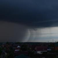 До конца дня в Омской области ожидаются гроза и сильный ветер