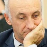 В Омске арестовали имущество беглого министра
