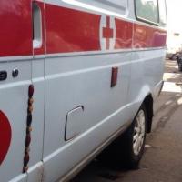Житель Омской области получил тяжелые травмы после падения с пятиметровой высоты