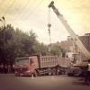 """В Омске грузовик """"нырнул"""" под асфальт"""
