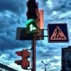 На Красноярском тракте в Омске откорректировали работу двух светофоров