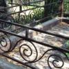 Омич вынес с могилы ограду и сдал ее на металлолом за 800 рублей