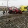 В Омске утром у телецентра иномарка влетела в столб