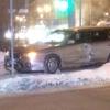В Омске после столкновения иномарку отбросило на тротуар