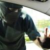 В Омске неизвестные похитили из машины 300 тысяч рублей