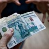 Омский риэлтор взял у знакомого 20 тысяч рублей и пропал