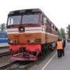 В Омске сняли с поезда агрессивного пассажира, избившего проводника