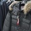 Омич выкрал из магазина две куртки на 10 тысяч рублей