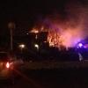 В Омске пожарные полтора часа тушили большой частный дом