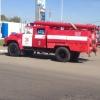 В Омске загорелся грузовик, полный древесного угля