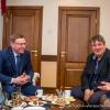 Бурков согласился принять в Омске фольклорный фестиваль пианиста Березовского