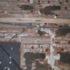Трещину в омском доме починили монтажной пеной