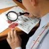 В Омске мошенница поменяла пенсионерке 16 тысяч рублей на билеты «банка приколов»